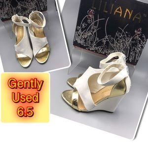 Sooo cute Gold & White Wedge Women's Shoe 6.5